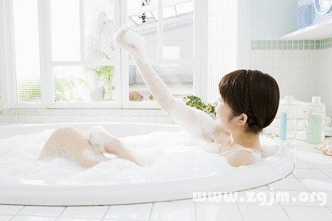 梦洗澡-梦见沐浴图片